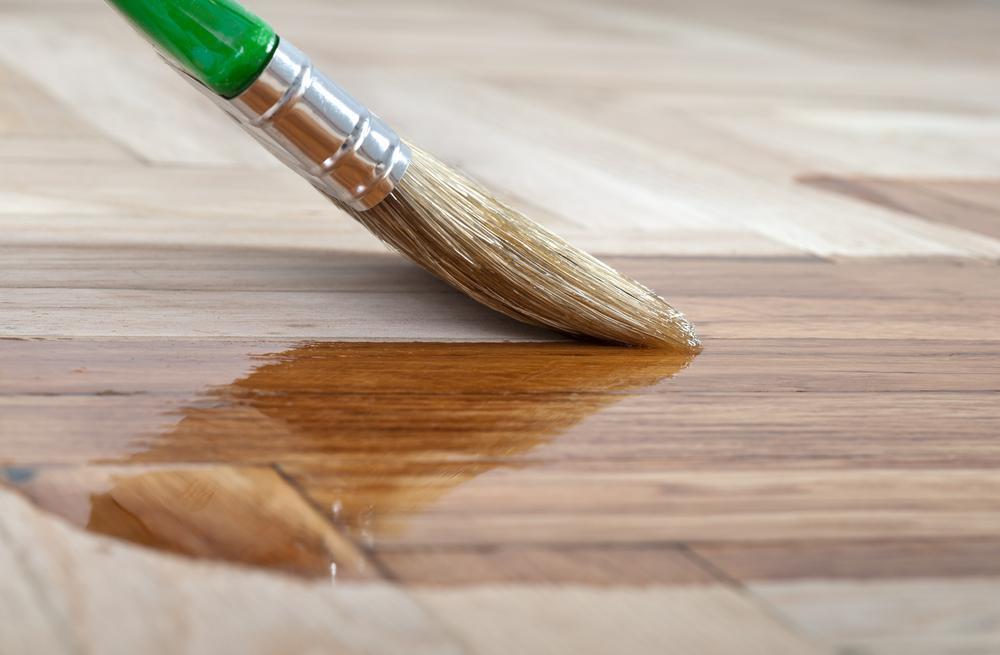 el mantenimiento y cuidado de la madera en interiores